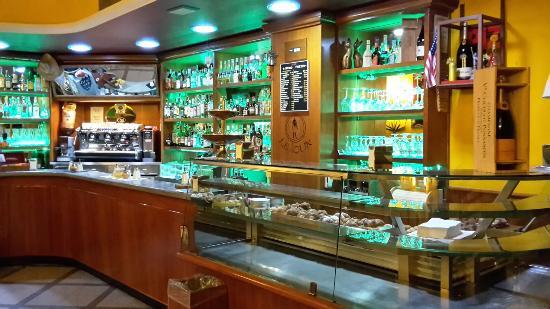 Le Souk Wine Bar Bistrot