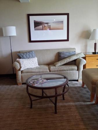 Best Western Plus Silverdale Beach Hotel: sofas