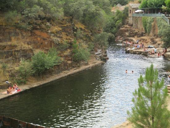 Piscina natural fotograf a de meandro melero riomalo de for Piscinas naturales rio malo