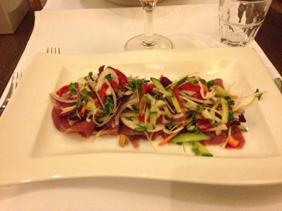NH Waalwijk: Zo kan het ook... Een heerlijk verse salade mmmm....