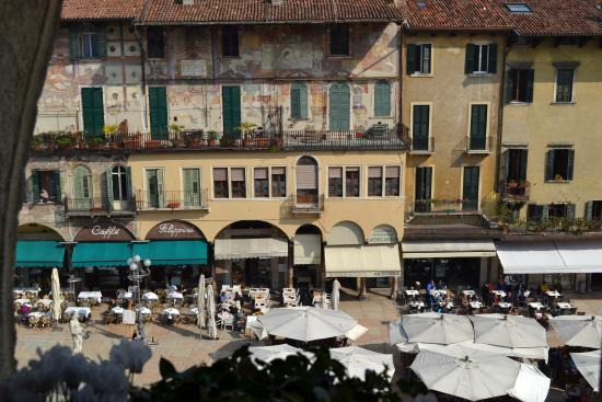 Bed & Breakfast Piazza Erbe: La vista dalla vostra finestra