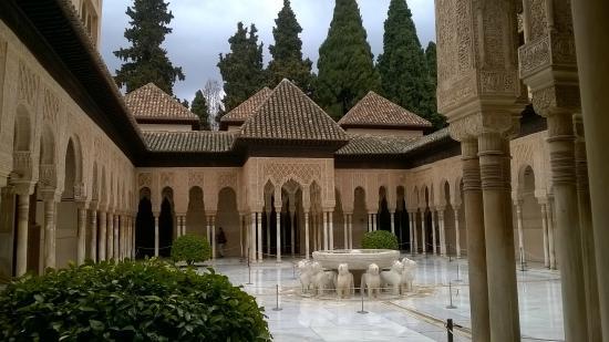 Alhambra Patio De Los Leones Picture Of Palacio Mariana Pineda