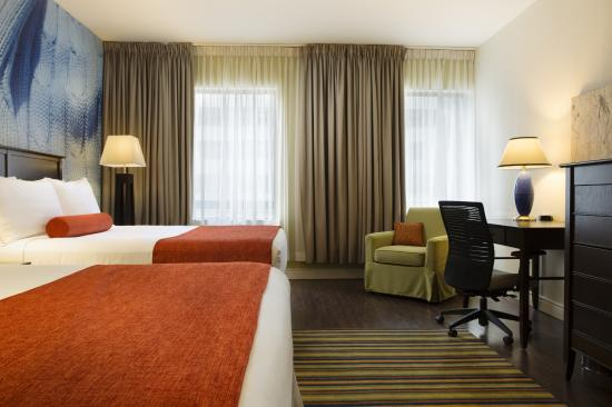Hotel Indigo Ottawa Downtown: Comfortable Work Station with free wi-fi