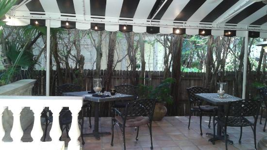 Mango Inn Bed and Breakfast : Terrace