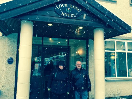 Loch Long Hotel : Mum and Dad outside hotel !!!!