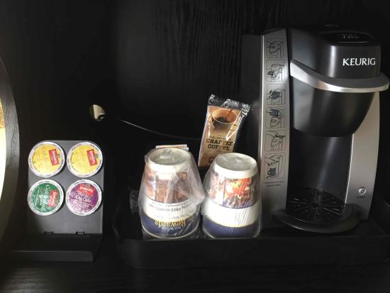 Best Western Plus St. Charles Inn: Keurig in each room!