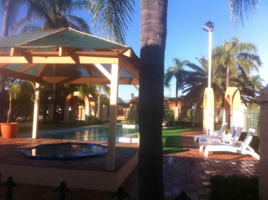 Picture of comfort inn bel eyre perth for Pool show perth 2015
