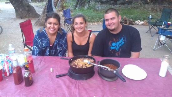 Lake Casitas Recreation Area: Having dinner