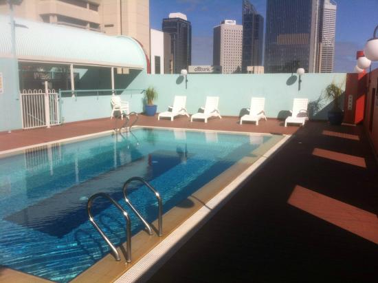 Rooftop swimming pool stunning picture of mercure for Pool show perth 2015
