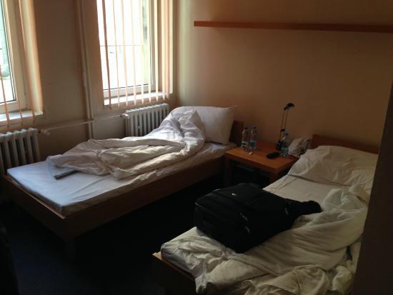 Hotel Medinek Old Town: 2 lits inconfortables