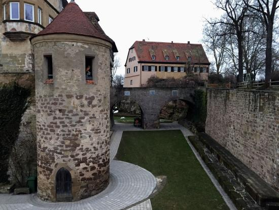 Burg Stettenfels - tower and yard