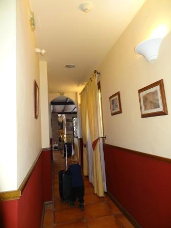 La Posada del Conde: Hallway