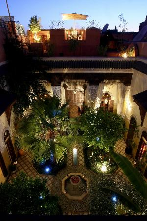 Riad L'Aziza: Le Patio by night