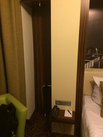 Favored Hotel Scala: Hidden coat hangers