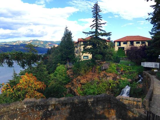 Villa Columbia Bed and Breakfast : Columbia Gorge Hotel