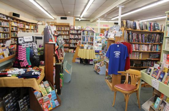 Bridgton, Мэн: New and used books, maps, unique cards, puzzles, gifts and more!!!