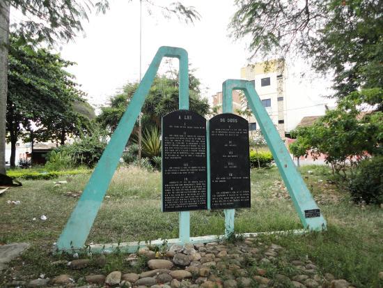 Monumento aos Dez Mandamentos
