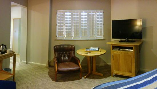 St Brides Spa Hotel : Room with small round table and TV