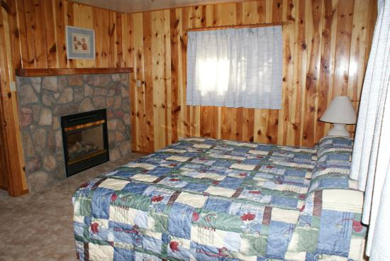 Whispering Pines Resort: From bedroom