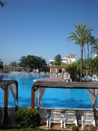 Nouvelles Frontieres Hotel-Club Costa del Sol : une des 6 piscines