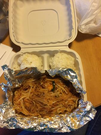 1-2-3 Thai Food: I don't understand why pad Thai would come with free rice.