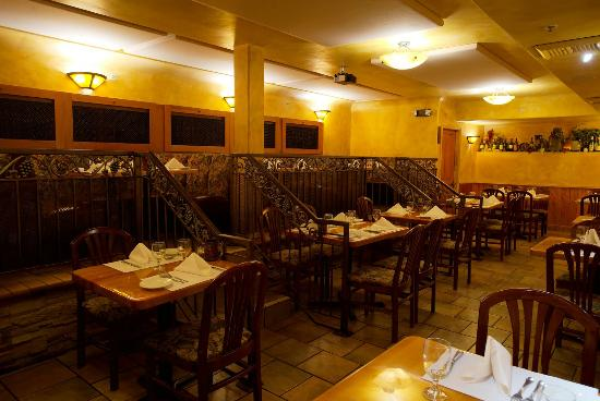 Wine Cellar Restaurant Intimate Booths & Intimate Booths - Picture of Wine Cellar Restaurant Los Gatos ...