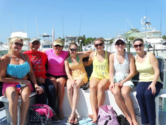 Island Boat Adventures : One happy family