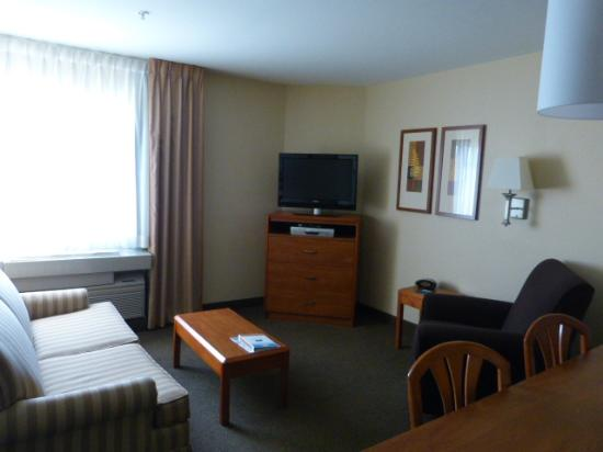 Candlewood Suites Louisville Airport: Lounge
