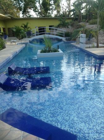 Paradise Inn: Nice pool