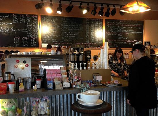 Gresham, Орегон: At the counter