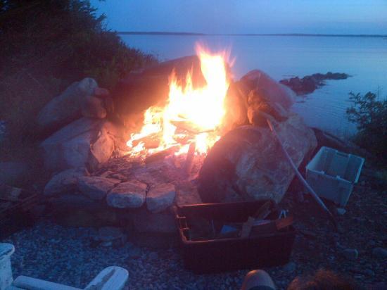 Ingomar, Kanada: Awesome Firepit