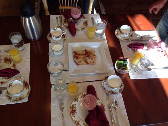 The Raritan Inn at Middle Valley: breakfast