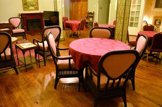 Antiquities' Wellington Inn : Third Floor Ballroom