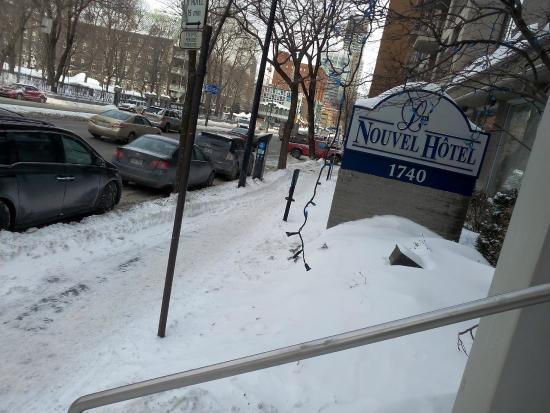 Le Nouvel Hotel & Spa: Rua em frente ao hotel