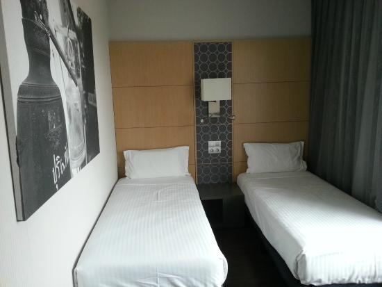 AC Hotel Victoria Suites: Second bedroom
