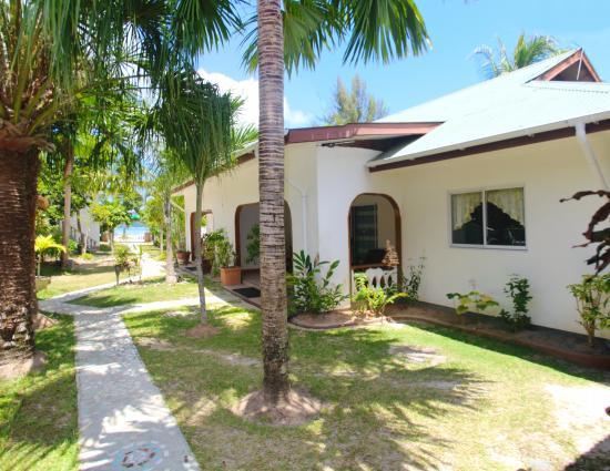Ocean Bay Guest House: Exterior