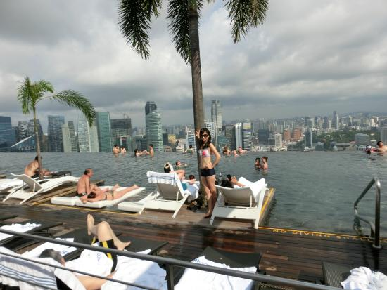 Infinity Pool Always Crowded With Ppl Picture Of Marina Bay Sands Singapore Tripadvisor