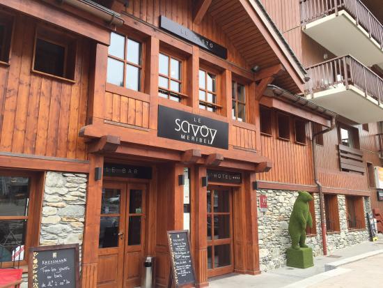 Hotel Le Savoy : L'entrée de l'hôtel