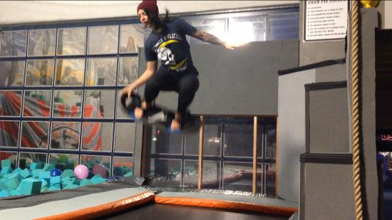 Bounce Acrobatic Academy: Foam board bouncing