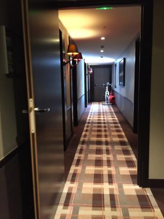 Hotel Le Savoy : Couloir menant aux chambres