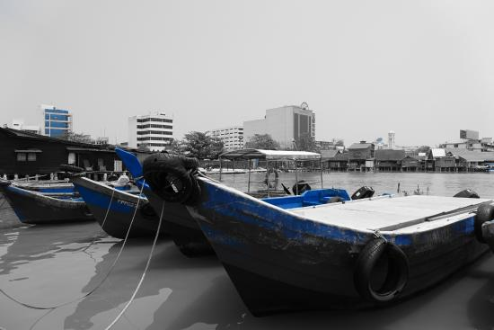 Harbour side near clan jetties - Picture of Chew Jetty