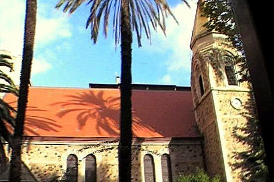 Le Petit Train d'Ajaccio: La iglesia anglicana en el Cours Général Leclerc.