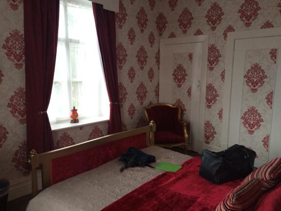 Hotel Commodore: My room, picture two !!