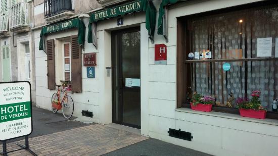 Hotel de verdun nevers frankrijk foto 39 s reviews en for Hotels nevers