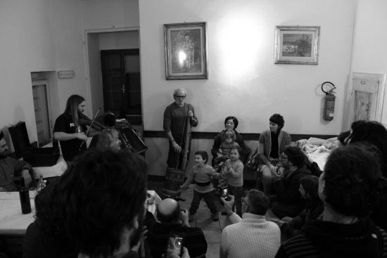 Trattoria Al Castello di Sorrivoli: musica in festa