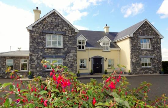 Bunratty Haven Bed and Breakfast: Front of house