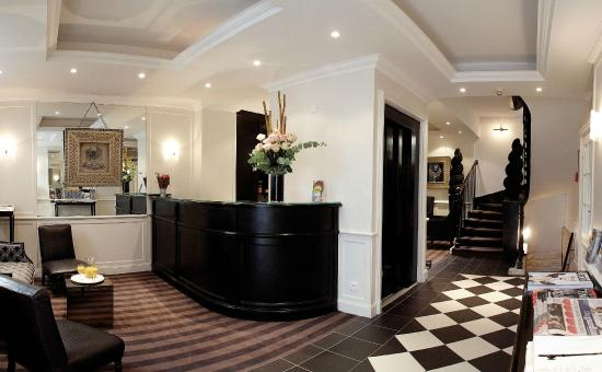 Hotel Etoile Trocadero: Réception
