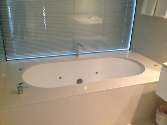 Q1 Resort And Spa Bath Two Bedroom Apartment