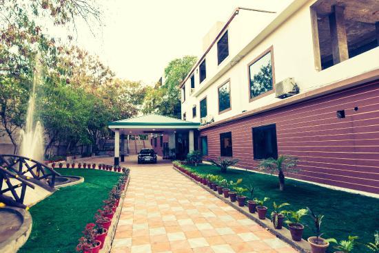 The Byke Grassfield - Jaipur
