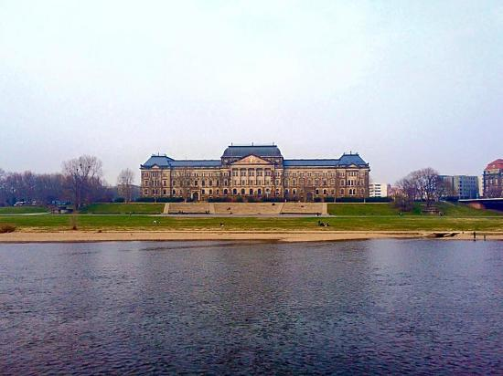 Schiffsanlegestelle Dresden: one of the many beautiful sights to see!